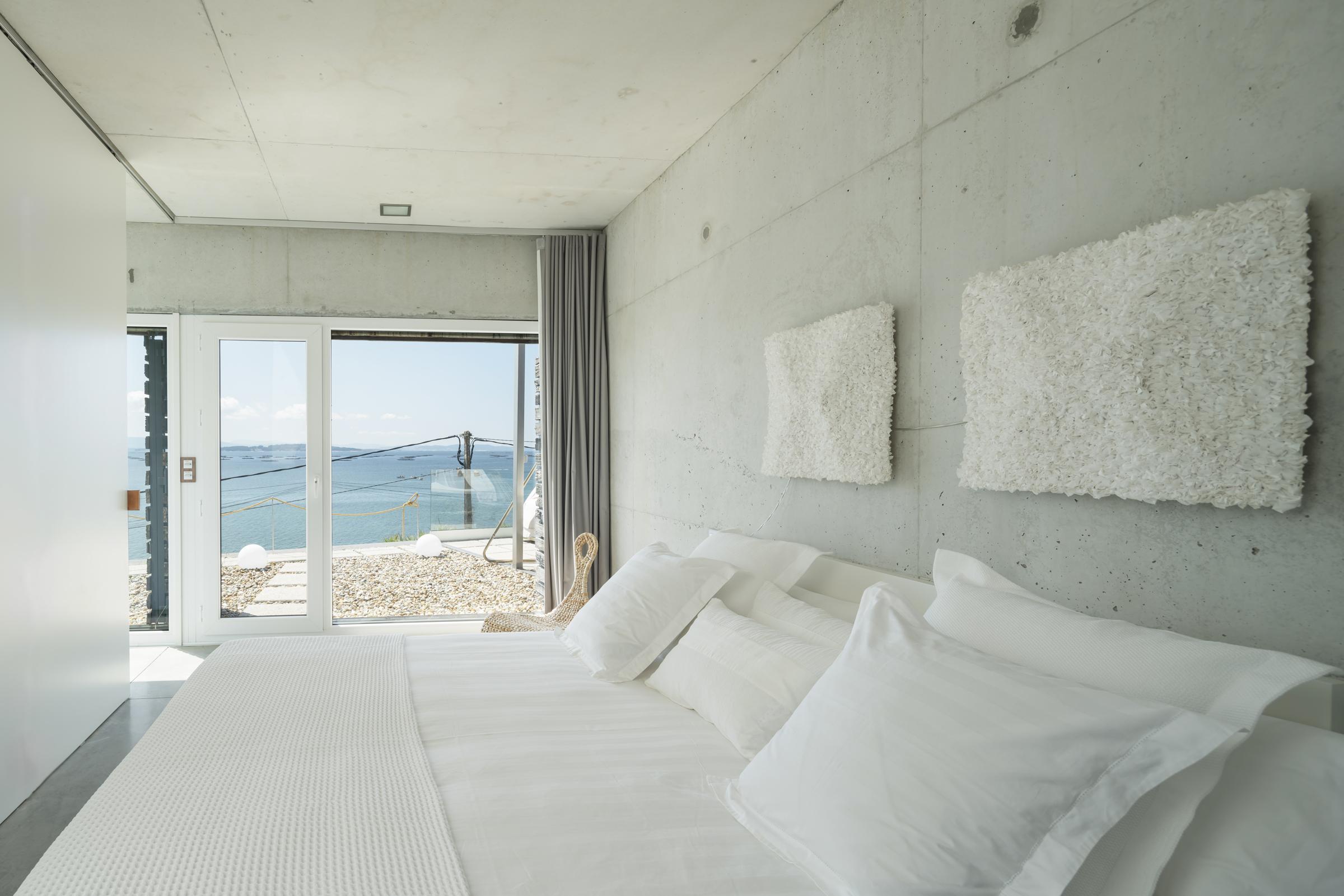 dezanove-house-luxury-villa-galicia-bedroom-2_2