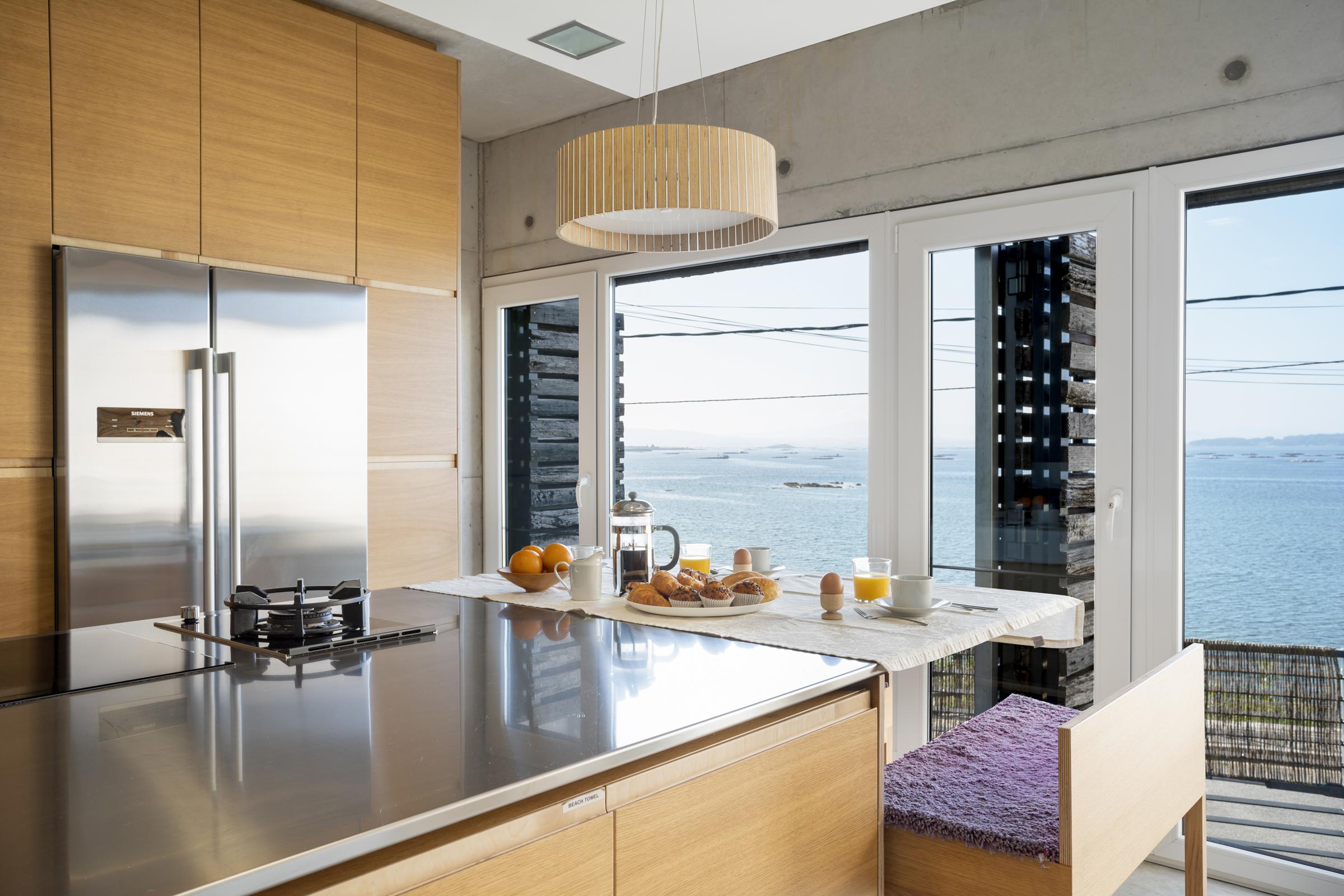 dezanove-house-luxury-villa-galicia-kitchen-2