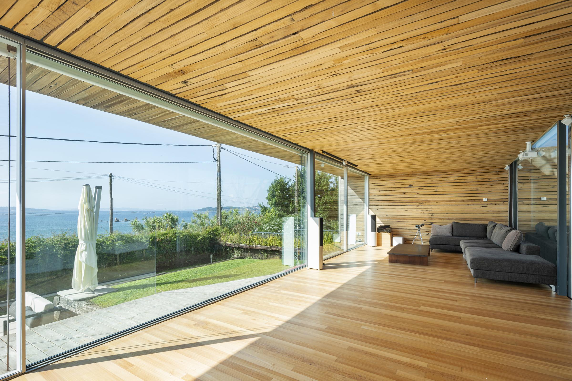 dezanove-house-luxury-villa-galicia-living-1
