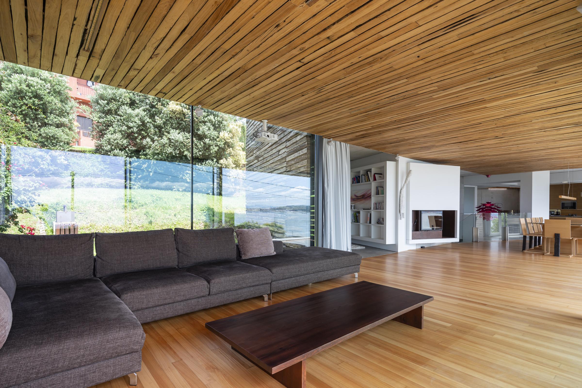 dezanove-house-luxury-villa-galicia-living-3