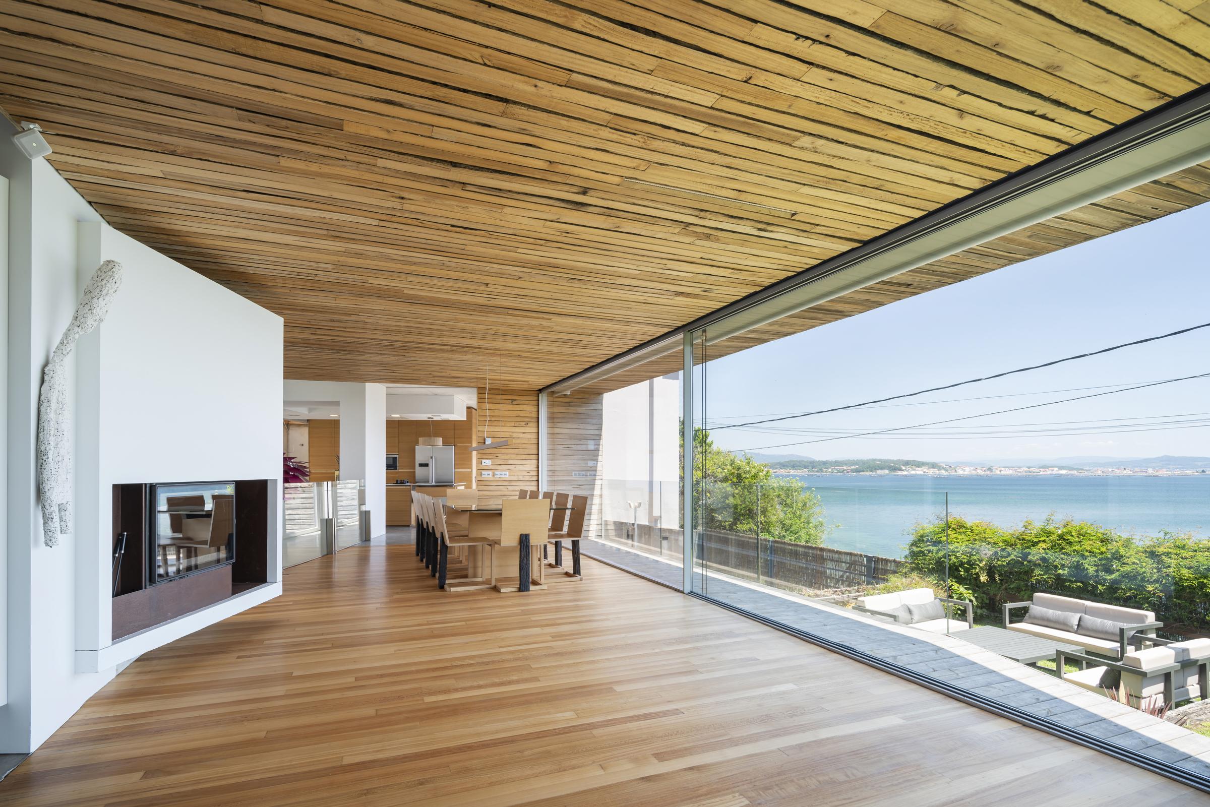 dezanove-house-luxury-villa-galicia-living-6