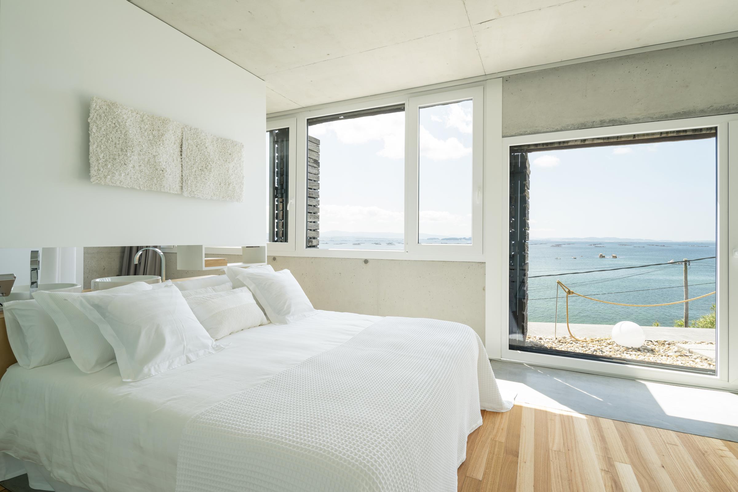 dezanove-house-luxury-villa-galicia-master-3